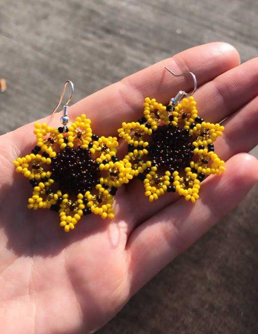 Solsikke perleøreringe i gul