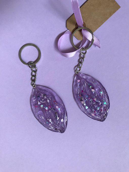 Glitternøglering fra Glittergrej i lys lilla med store stykker glimmer i