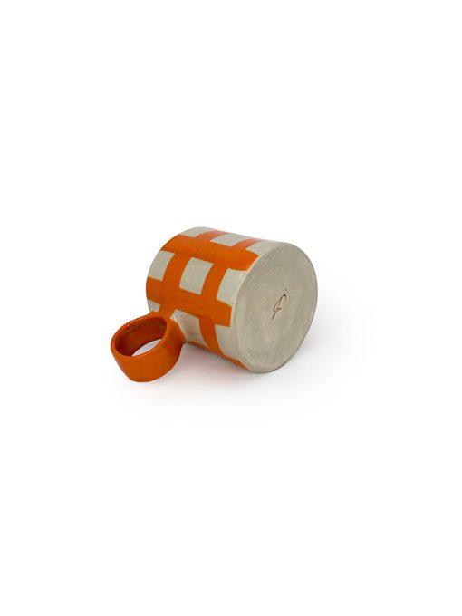Atelier Borekull keramik kop med hank og tern i orange