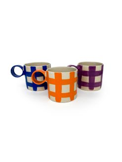 Atelier Borekull keramik kopper med hank og tern i orange, lilla og koboltblå