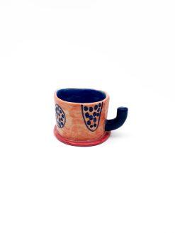 Keramik kop fra Rebu Ceramics med alternativ hank i lyserød og blå med mønster