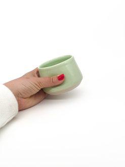 bulet Keramik kop i lysegrøn fra Arf Keramik