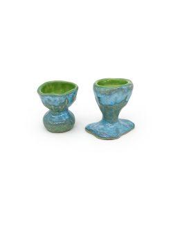 blå og grønne æggebægere fra Julie Ebens i specielle former
