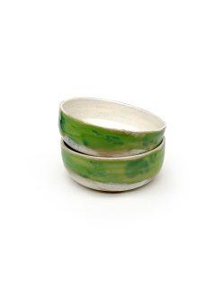 grøn og hvid keramik skål fra Julie Ebens perfekt til snolder