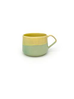 pastelfarvede keramik kopper med hank fra Arf Keramik i lysegrøn og gul