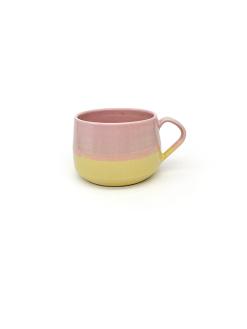 pastelfarvede keramik kopper med hank fra Arf Keramik i lyserød og gul